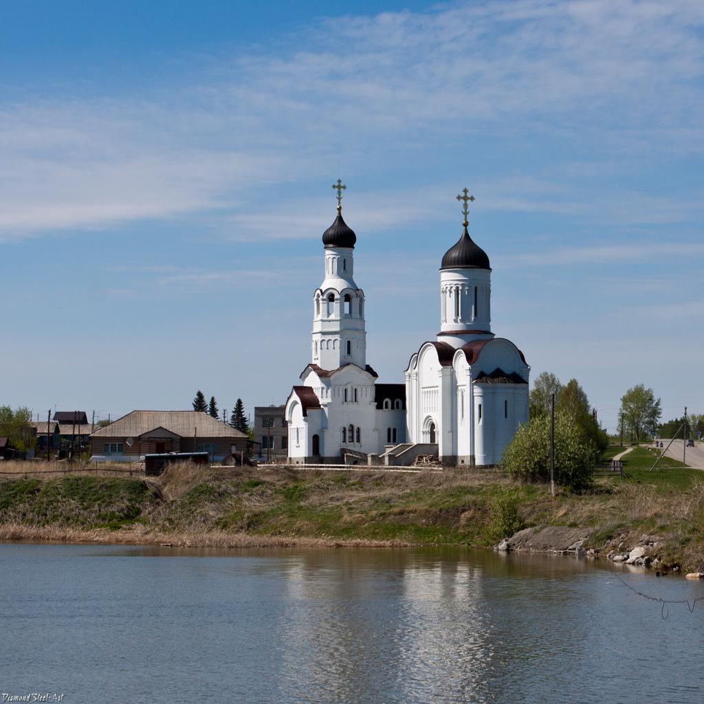 Бурмистрово. Церковь Владимира равноапостольного