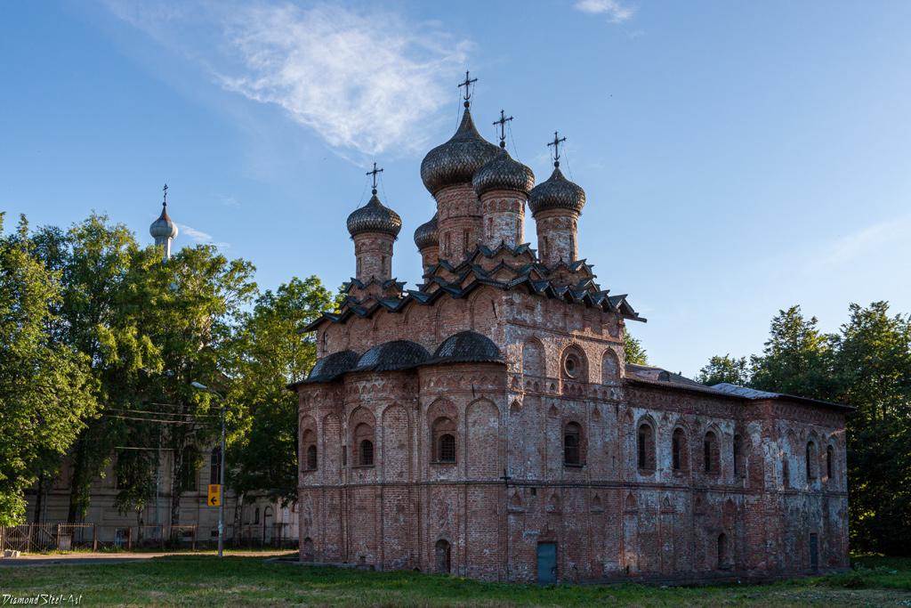 Великий Новгород. Церковь Троицы Живоначальной в Свято-Духовом монастыре