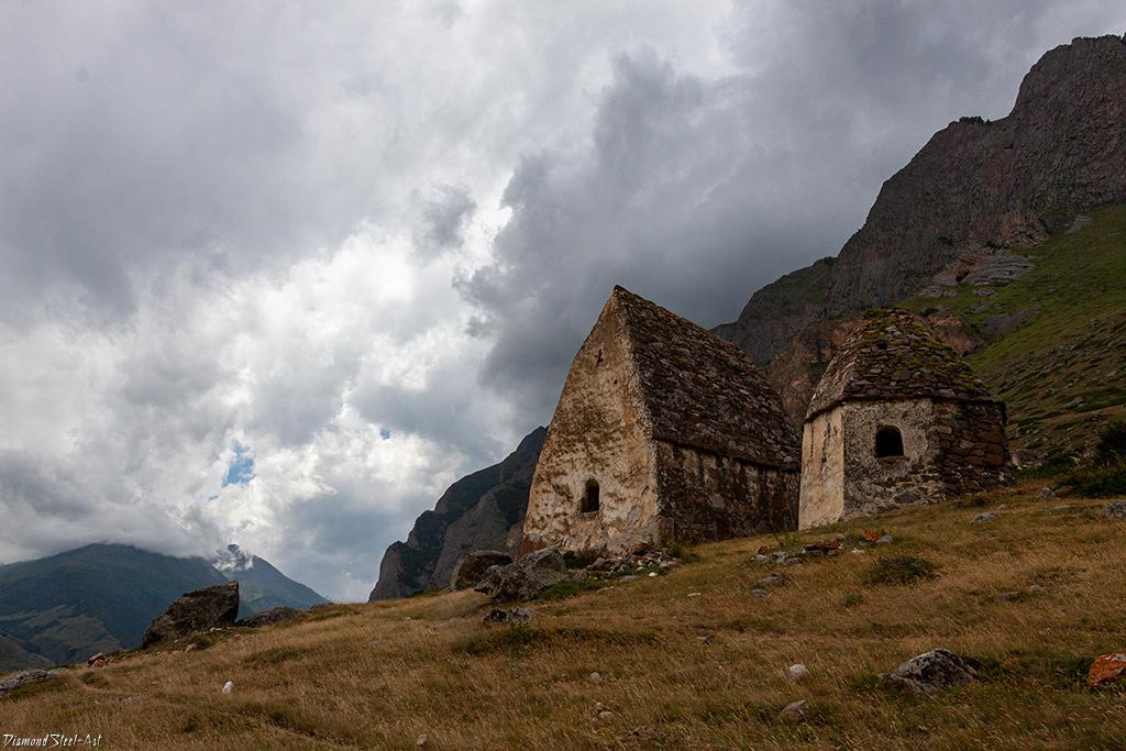 Древнее балкарское селение Эль-Тюбю. Чегемское ущелье